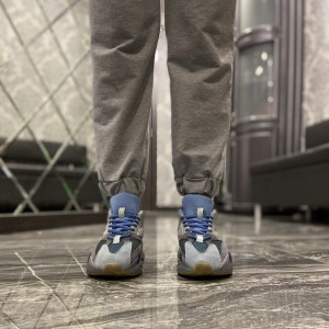 Кроссовки Adidas Yeezy 700 Blue Grey