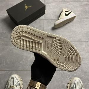 Кроссовки Nike Air Jordan 1 Beige Black