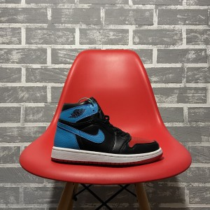 Кроссовки Nike Air Jordan 1 Retro High NC to Chicago