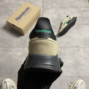 Кроссовки Reebok Classic Leather Legacy