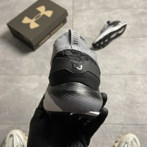 Кроссовки Under Armour Hovr Phantom Gray